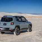 2015-Jeep-Renegade-Trailhawk-photo-gallery