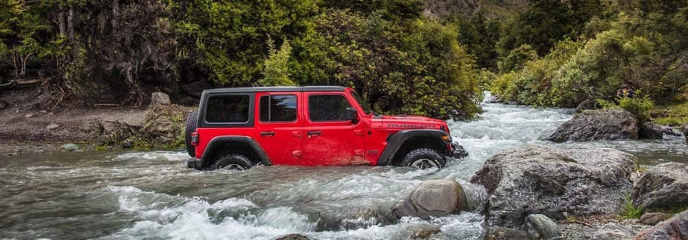 2018-Jeep-Wrangler-Wading-in-Water-copy
